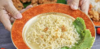 Shanghai Newspaper_ Instant noodles back on track