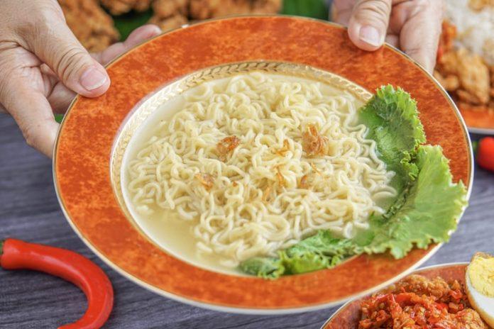 Shanghai Newspaper_ Instant noodles back on track