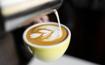 Shanghai Newspaper_ Luckin moves past Starbucks